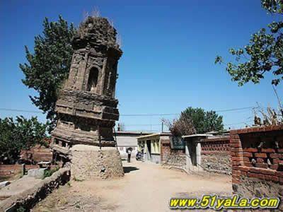 绥中斜塔位于辽宁省锦州市绥中县前卫镇古城东隅,建于辽代,塔身呈